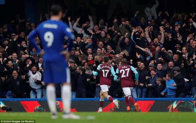 Chelsea mất điểm, bị Arsenal áp sát vì cựu sao MU