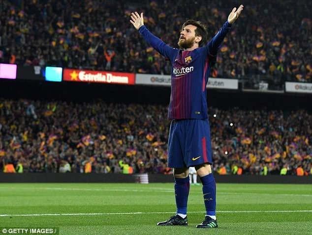 Vượt Ronaldo, Messi giành chiếc giày vàng châu Âu lần thứ năm