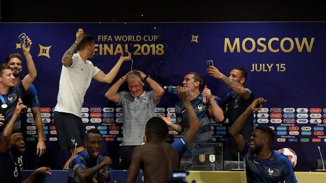 HLV Deschamps và Dalic nói gì sau chung kết World Cup 2018?