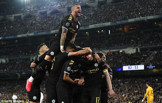De Bruyne kinh ngạc vì Man City dùng đội hình dự bị thắng Real