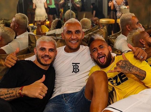 Sau Neymar, Di Maria, thêm 3 siêu sao của PSG dính COVID-19