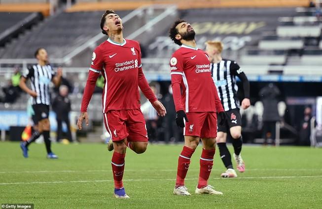Các cầu thủ Liverpool tiếc nuối vì hàng loạt cơ hội bị bỏ qua. ẢNH: GETTY