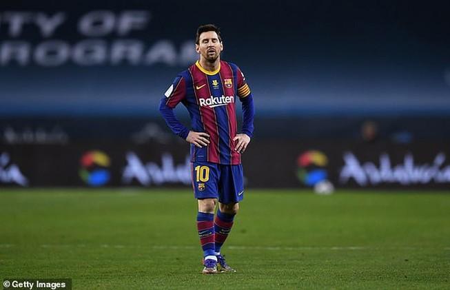 """Messi thất vọng vì Barca """"cầm vàng lại để vàng rơi"""". ẢNH: GETTY"""