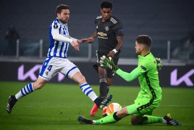 Rashford bỏ lỡ cơ hội trong trận đấu vói Real Sociedad. ẢNH: AFP