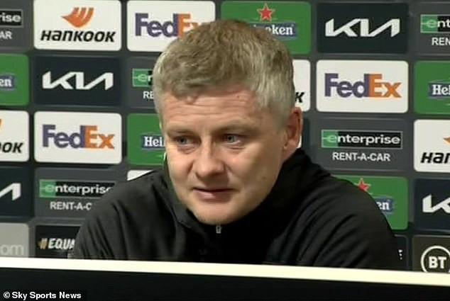 Solskjaer trong buổi họp báo trước trận MU gặp Chelsea. ẢNH: SKY SPORTS