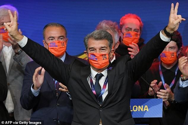 Laporta ăn mừng thắng cử chức chủ tịch Barcelona. ẢNH: GETTY