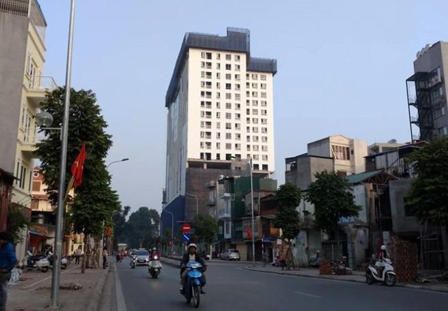 Hà Nội: Lại đồng ý cho cao ốc 8B Lê Trực tự 'cắt ngọn'