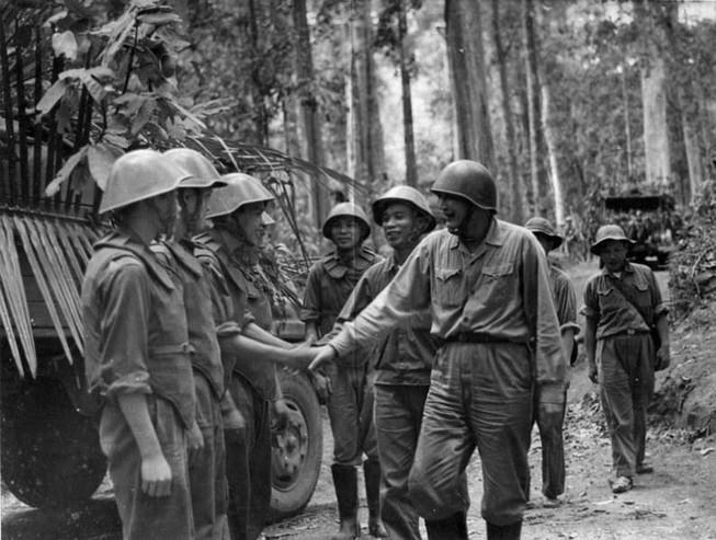 Các thế hệ bộ đội Trường Sơn tiễn biệt tướng Đồng Sỹ Nguyên