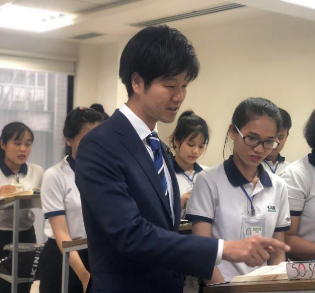 Thứ trưởng Nhật khuyên lao động dạy tiếng Việt cho người Nhật