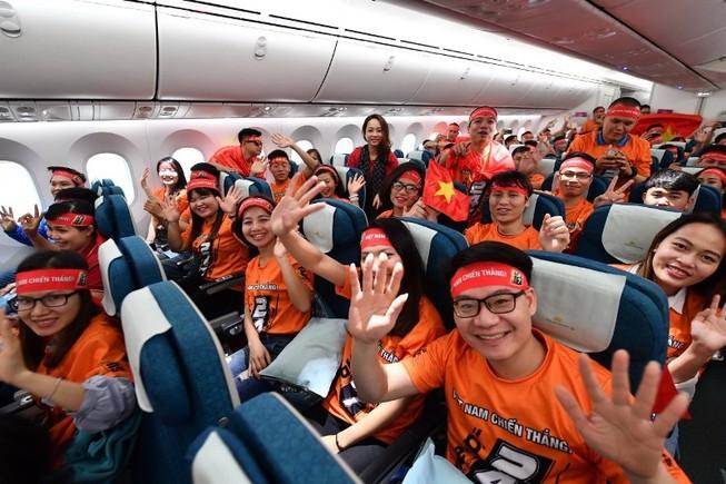 7 chuyến bay thẳng đến Philippines cổ vũ U-22 Việt Nam