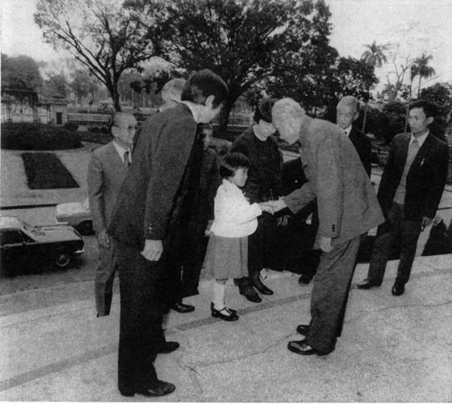 Trưng bày hình ảnh, di vật nhà báo Nhật Ta-ka-nô Isao