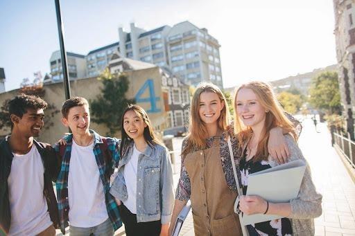 Học sinh bậc trung học tại New Zealand. Ảnh; Trâm Trần