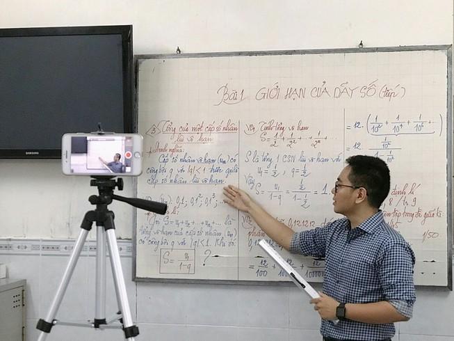 Phương pháp dạy online được nhiều trường sử dụng trong thời gian học sinh nghỉ học tránh dịch COVID-19