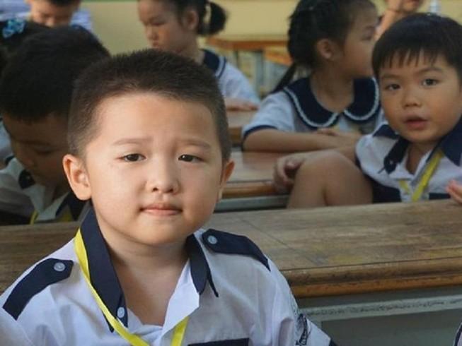 Học sinh trường Tiểu học Trần Quốc Thảo, quận 3 trong ngày tựu trường. Ảnh: NQ