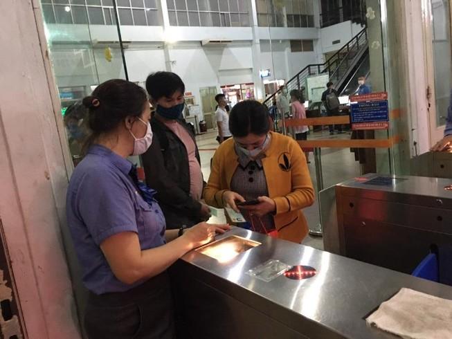 Ga Sài Gòn nhộn nhịp đưa đón người dân về quê nghỉ lễ