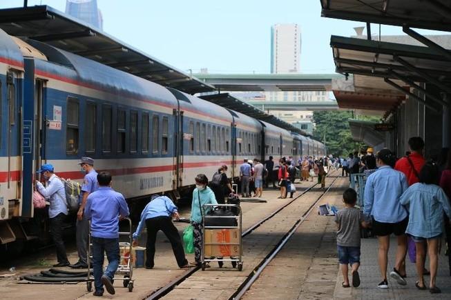 Đường sắt giảm đến 50% giá vé kích cầu sau Tết