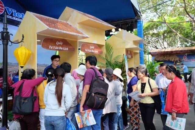 Công ty du lịch 'hốt bạc' trong ngày hội du lịch