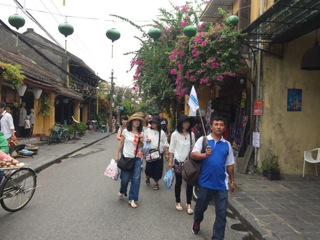 Khách Trung Quốc đến Việt Nam bất ngờ tăng trở lại