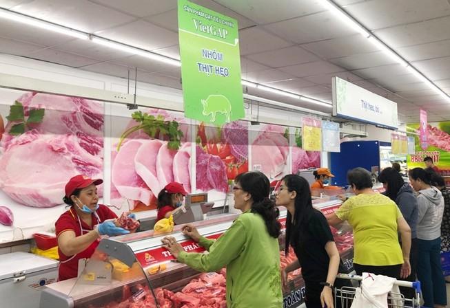 Nhiều doanh nghiệp tung thịt heo đông lạnh ra thị trường