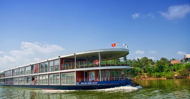Du thuyền 5 sao trên sông Sài Gòn 'méo mặt' vì dịch Corona