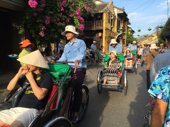 Sở Du lịch TP.HCM gấp rút tìm 67 khách Trung Quốc