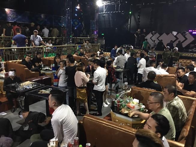 Hàng trăm người dương tính với ma túy tại quán bar Play House