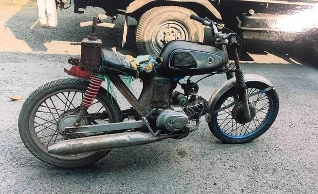 Tìm thân nhân người chạy xe máy tử vong ở Bình Chánh