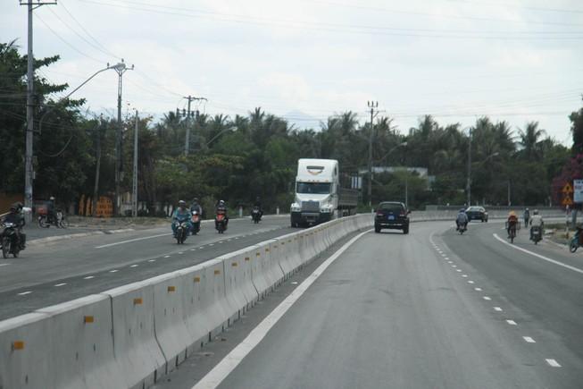 Thông xe quốc lộ 1 mở rộng đoạn qua tỉnh Khánh Hòa