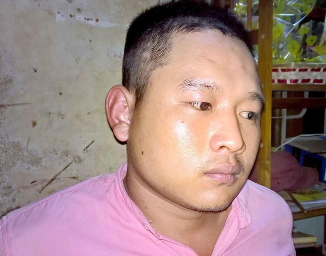 Cảnh sát 113 khống chế thanh niên ngáo đá đuổi chém mẹ