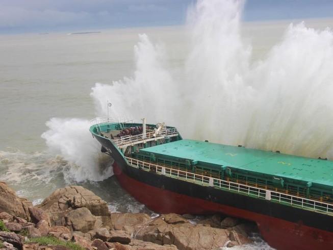 Lập trạm tiền phương tìm kiếm 24 thuyền viên mất tích