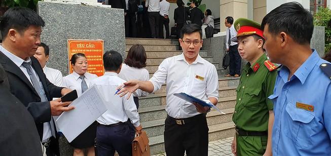 Nhiều báo không được tác nghiệp tại phiên xử LS Trần Vũ Hải