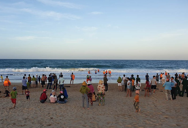 Một du khách mất tích khi tắm biển Tuy Hòa