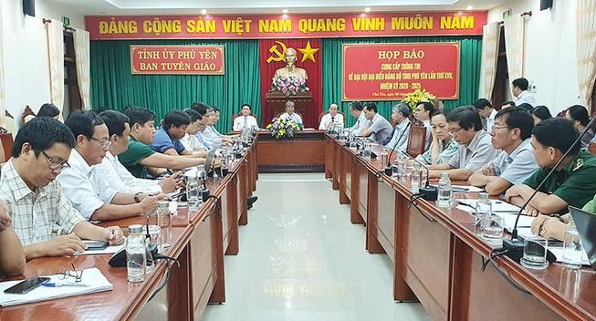 Đại hội Đảng bộ tỉnh Phú Yên không tặng quà các đại biểu