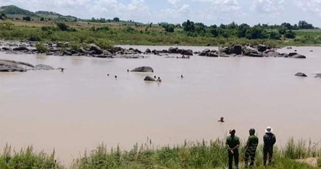 2 người chết đuối do lật xuồng khi đi bắt cá