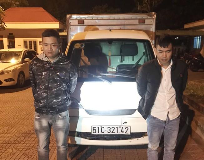2 thanh niên chạy xe tải đi lừa đảo 31 vụ trong vòng 1 tháng