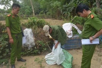 Phát hiện cơ sở dùng hóa chất Trung Quốc chế biến mỡ bẩn