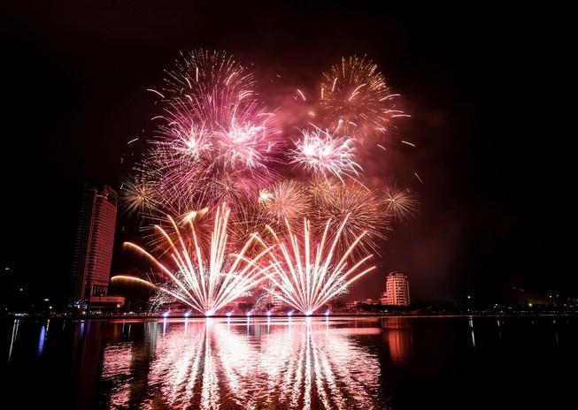 Lễ hội pháo hoa Đà Nẵng sẽ diễn ra 2 tháng