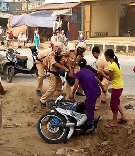 Công an Thanh Hoá phủ nhận thông tin CSGT hành hung người dân