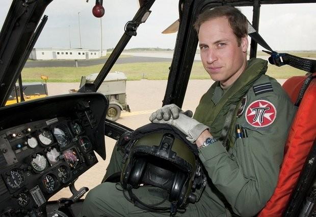 Hoàng tử William có việc làm mới