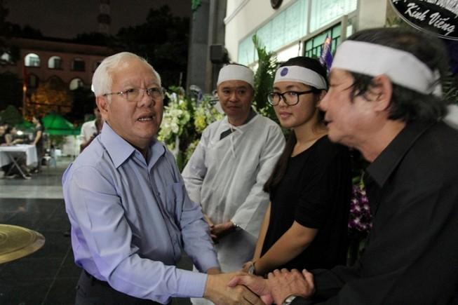 Lời chia sẻ xúc động của chủ tịch TP.HCM viếng PGS-NGND Trần Thanh Đạm