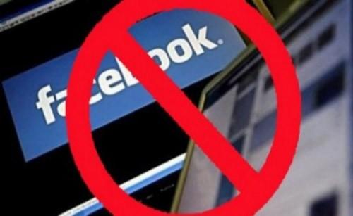 Cấm giáo viên bình luận Facebook và quyền tự do ngôn luận