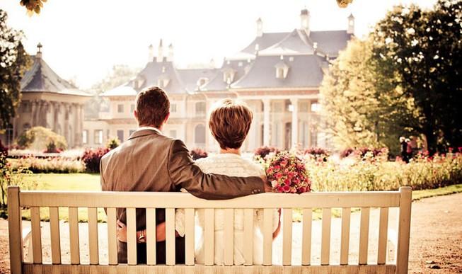 Vợ chồng, không duyên không gặp, không nợ không đến