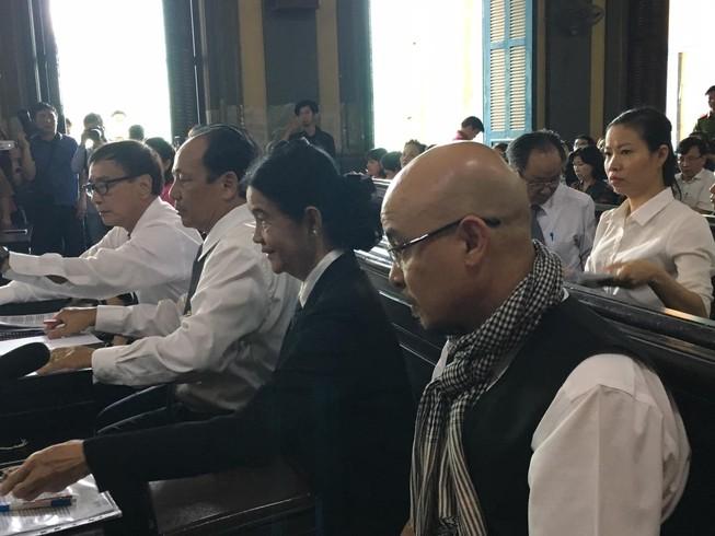 Kiểm sát viên 24 quận huyện tham dự vụ vua cà phê ly hôn