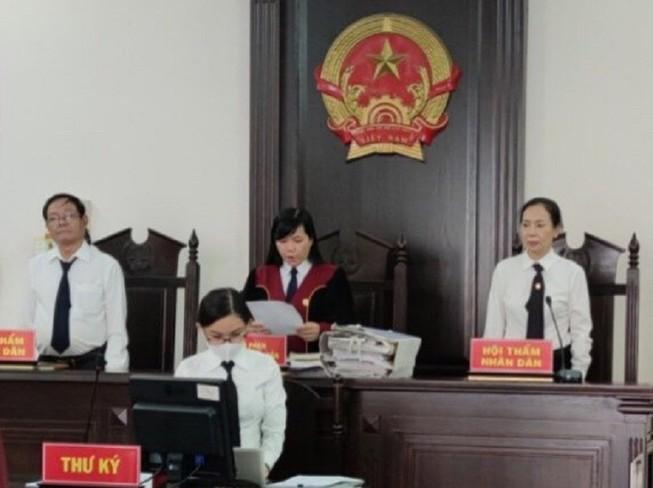 Bị cáo xin hoãn xử vì sức khỏe yếu, tòa chấp nhận