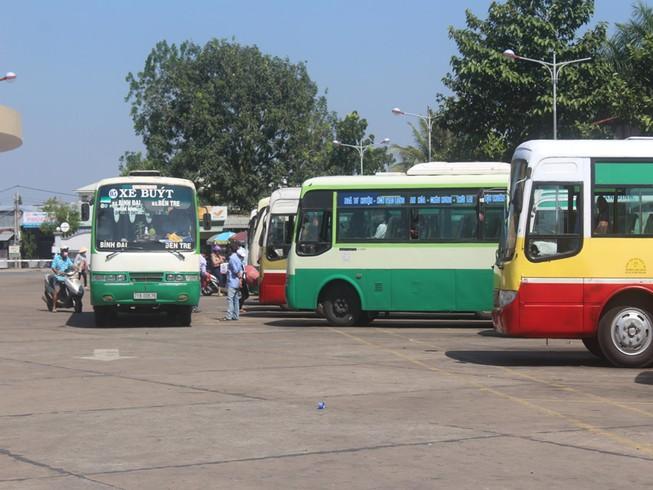 Đại biểu HĐND: 'Xe buýt đang chạy mà sút cả băng ngồi văng ra'