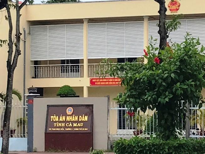 Nguyên chánh Tòa Dân sự Cà Mau bị 24 tháng tù treo