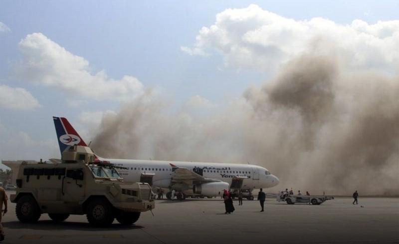 Sân bay Aden bị tấn công khi Thủ tướng Yemen đáp xuống - ảnh 1