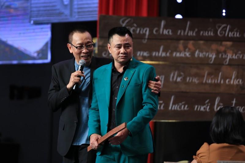 Ca sĩ Cao Minh bồi hồi nhớ mẹ và tuổi thơ mẹ gánh con đi - ảnh 3