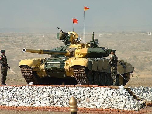 Tăng T-90 của Nga trong biên chế quân đội Ấn Độ