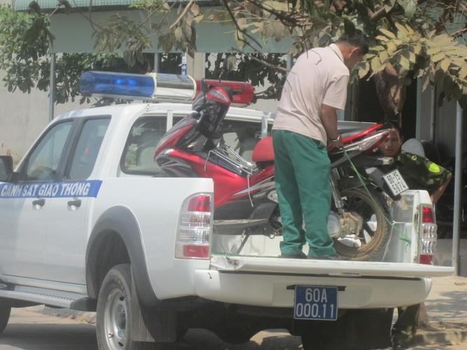 Bắt nóng đối tượng trộm xe máy - ảnh 2